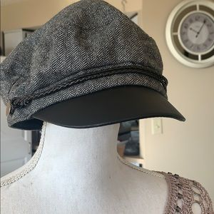 NWOT. Vince Camuto hat. OS